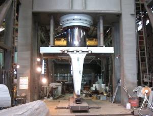 4000トン門型プレス機